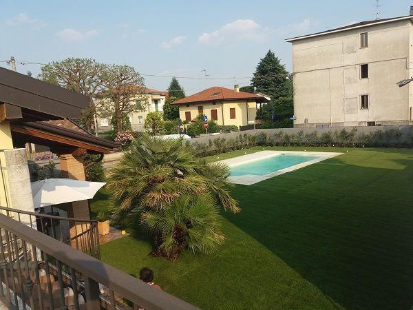 villa piscina prato a rotoli